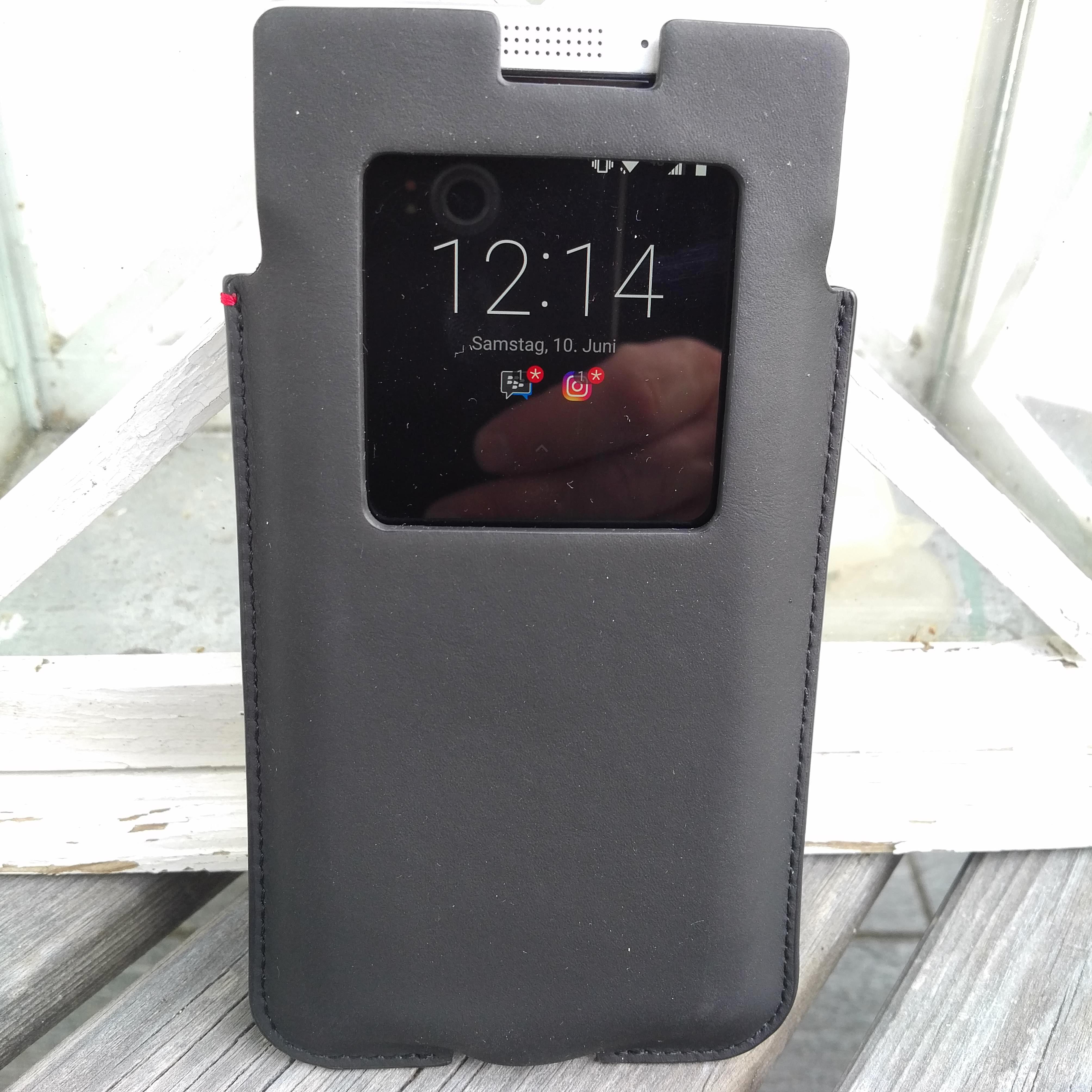 Vorstellung Blackberry Keyone Pocket Sleeve Bbugks Mitte Mai Haben Wir Euch Auf Das Erste Zubehr In Form Von Schutzhllen Fr Aufmerksam Gemacht